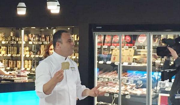 El chef en un momento de la clase. Imagen: Makro
